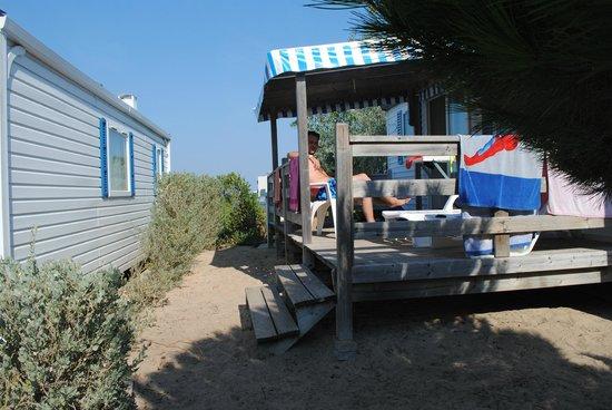 Camping L'Anse des Pins : tiens mon voisin est à poil!!!!