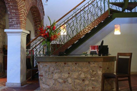 Hotel Boutique las Carretas: Front Desk
