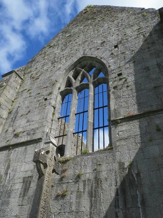 Quin Abbey: Beautiful architectural elements