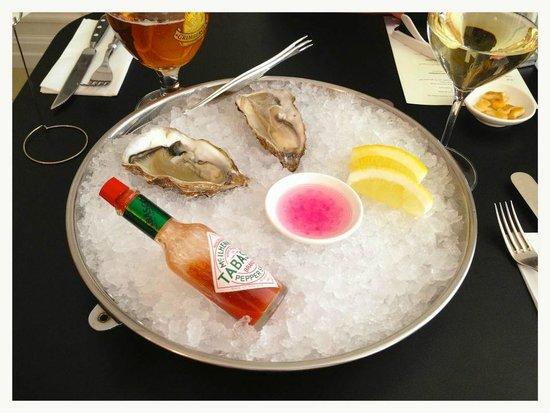 Bistro 3 Zivis: Oysters