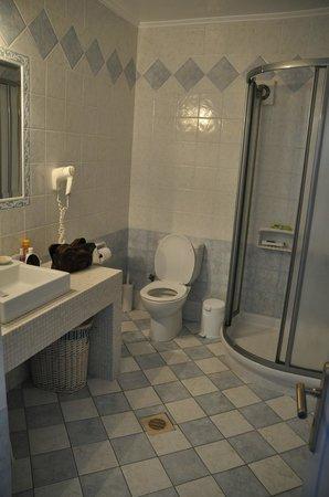 Villa Notos: Bathroom of the Junior Suite