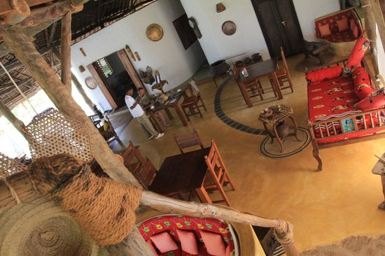 Shamba Kilole Eco Lodge: breakfast in the lounge area