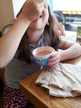 Murphys Ice Cream : It's all mine...