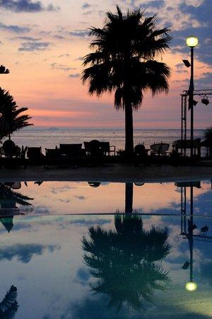 Hotel Ipomea Club: vista dalla piscina