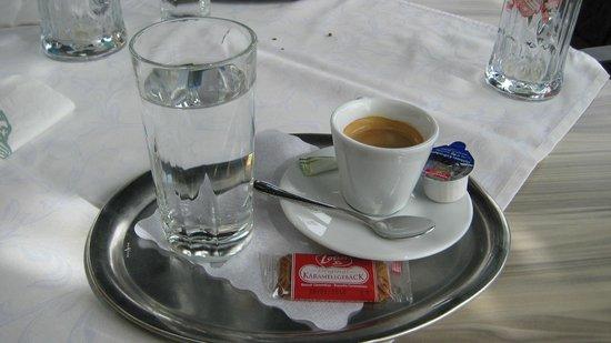 Stegerbraeu: Il caffè servito