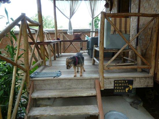 Ban Chunsongsang Home Stay : Rice Hut veranda