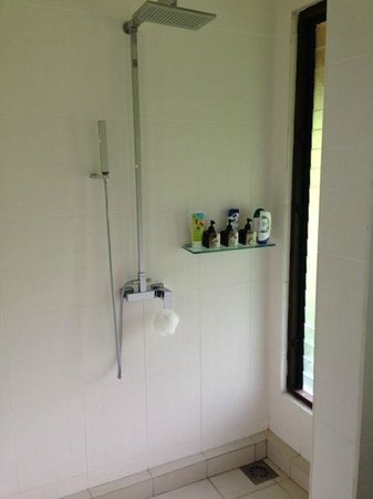 The Village House: Shower area