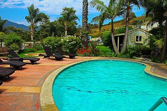 Malibu Country Inn: pool