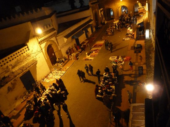 Essaouira Wind Palace : The view from the balcony at night