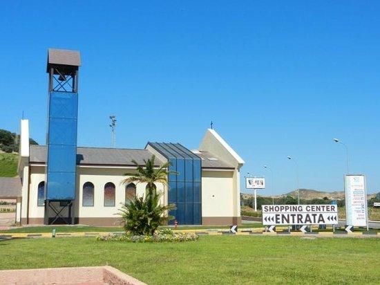 Catanzaro Lido, Italy: chiesa nel parco commerciale