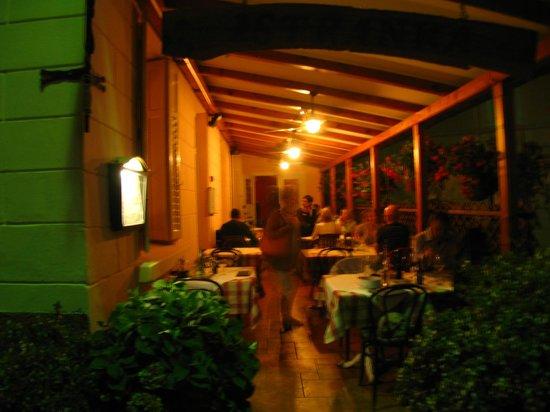 """Tavern Istranka : la locanda """"fuori"""""""