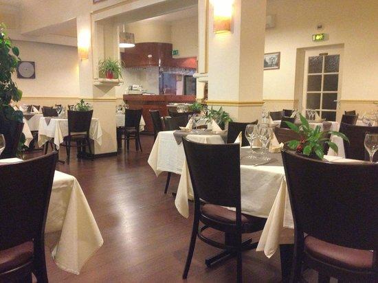 La Causerie : Salle du restaurant