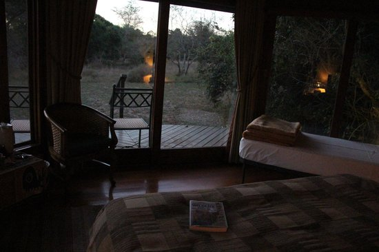 Bushwillow Collection : our room at Bushwillow Lodge. Animals (warthogs, giraffe & nyalas) come to visit our rooms somet