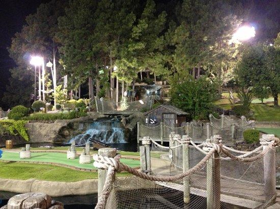 Pirate's Cove Adventure Golf: Waterfall