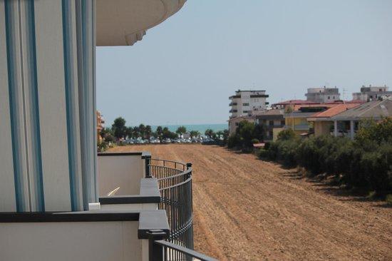 Il mare dalla terrazza - Foto di Residence il Girasole 1, Alba ...
