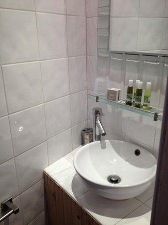 Au Vin Chambré : Bathroom 1
