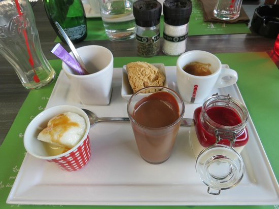 Le Fer a Cheval: Café (très) gourmand