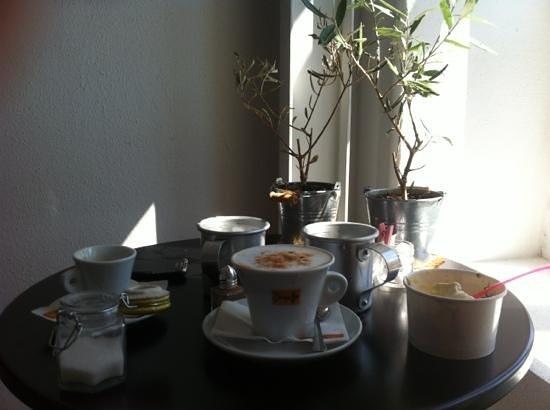 Mosaic : Buon Caffè Italiano ,ottimo Yogut!!