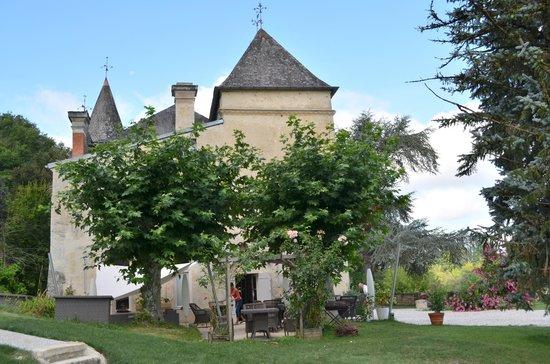 """Chateau de Courtebotte: Le châteua vu de la suite """"ô"""""""