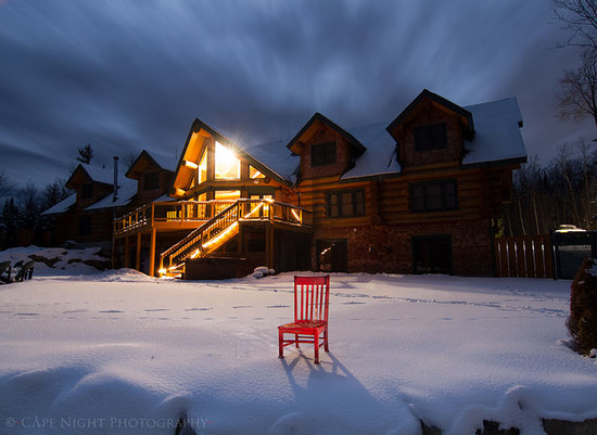 Bear Mountain Lodge: Beautiful Winter Scene - Back of Lodge