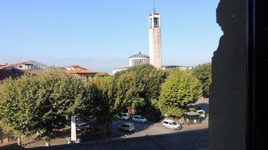 Grand Hotel Plaza & Locanda Maggiore: View from our Window