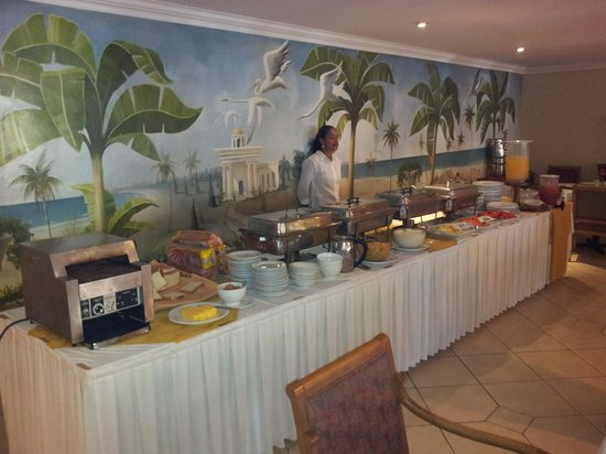 Quinta Real Hotel and Convention Center: Breakfast buffet.