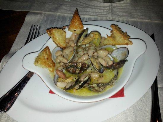 Osteria Il Bertoldo: Zuppa di fagioli e vongole. Ottima!