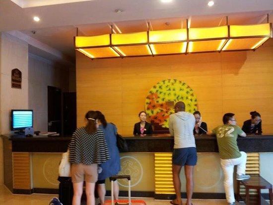 BEST WESTERN PREMIER Ocean Hotel: フロント