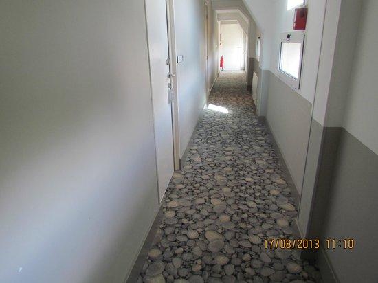 Les Sables Blancs : Il corridoio che porta alle camere
