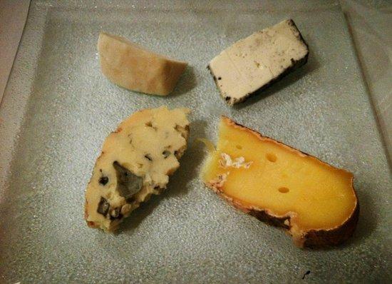 Le Trait d'Union: assiette de fromages de pays