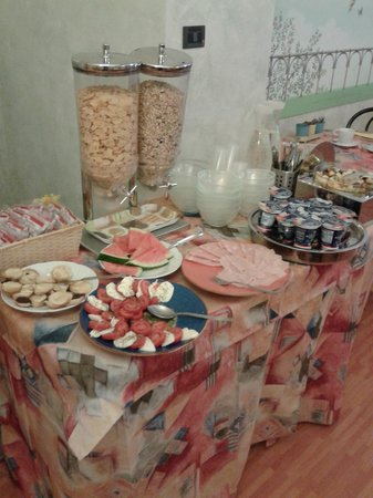 Orcagna Hotel: Breakfast Bar