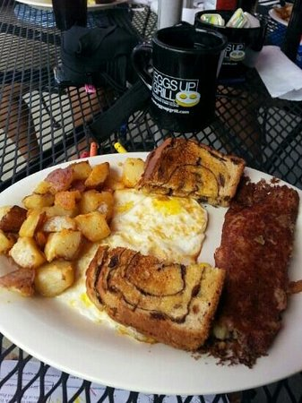 Eggs Up: corned beef and hash