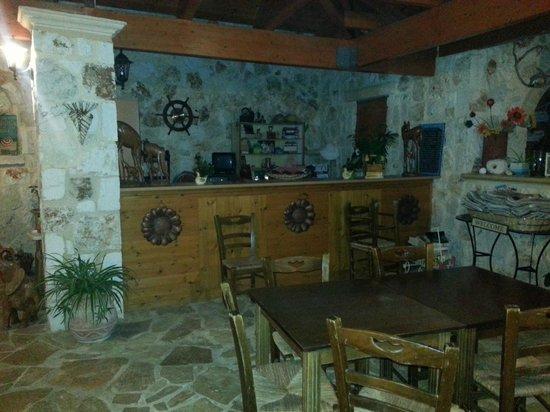 Odyssey Villas: La sala ristorante e colazione