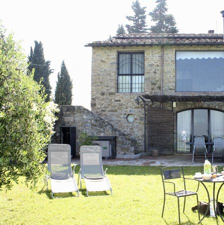Torre di Ponzano - Chianti area - Tuscany -: backyard of il fienile