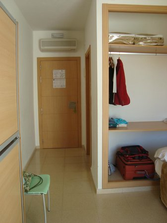 Torremolinos Inturjoven Youth Hostel: Room 120
