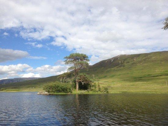Inchnadamph Hotel: Loch Awe