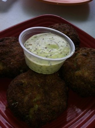 Finz Grill & Bar: Crab Fritters