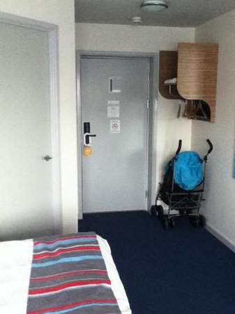 Travelodge Cardiff Atlantic Wharf: much needed space!