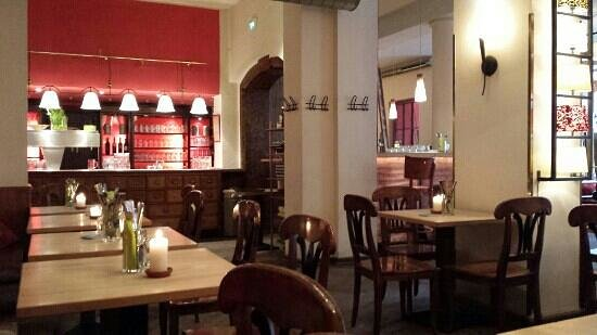 Max Emanuel Brauerei : Innen mit Theke