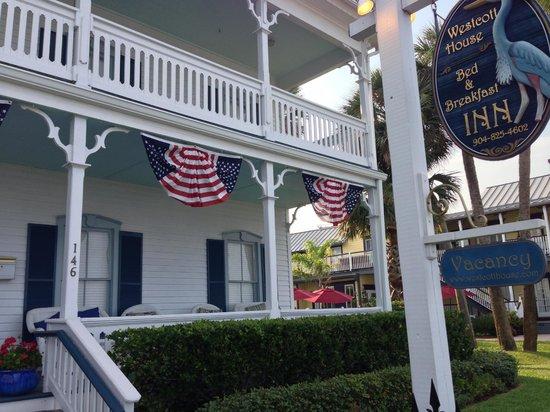 Bayfront Westcott House Bed & Breakfast: Front of Inn