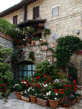 Hotel Restaurant Pallotta Assisi: Vicoli di Assisi