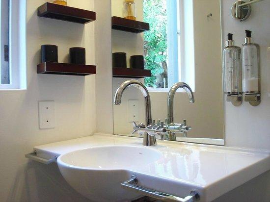 Alta Bay: Bathroom of Garden Room