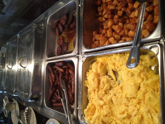 BEST WESTERN PLUS La Porte Hotel & Conference Center: Breakfast buffet