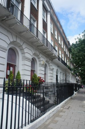 Smart Russell Square Hostel: Exterior