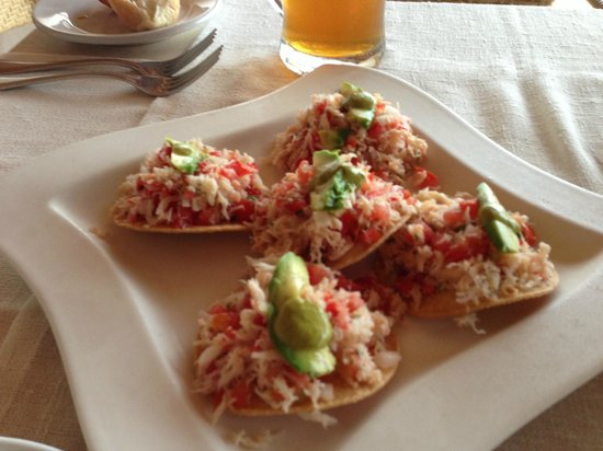 7 Seas Seafood Grille: Blue crab tostadas