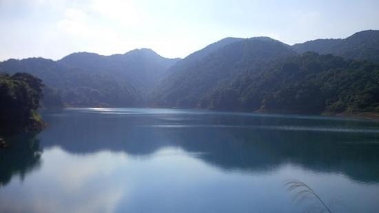 Baishui Village Waterfall of Zengcheng: peak, 80m depth lake