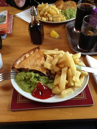 The Kingfisher : Home made Steark Pie