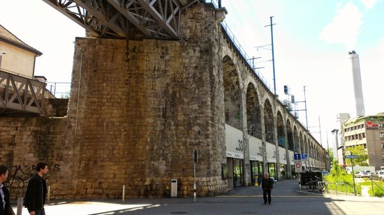Im Viadukt: View of stores & the via duct