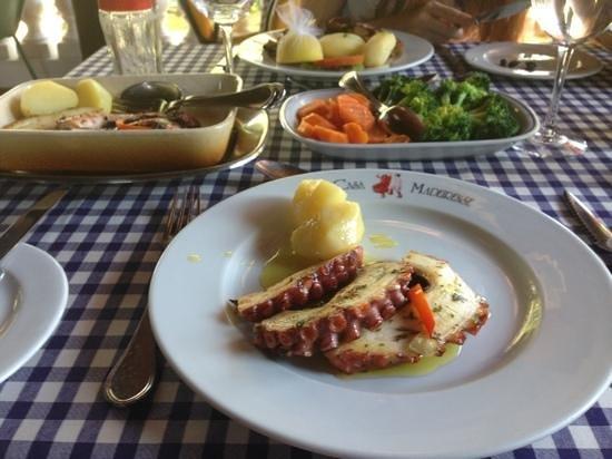 Casa Madeirense Restaurante : осьминог фирменный