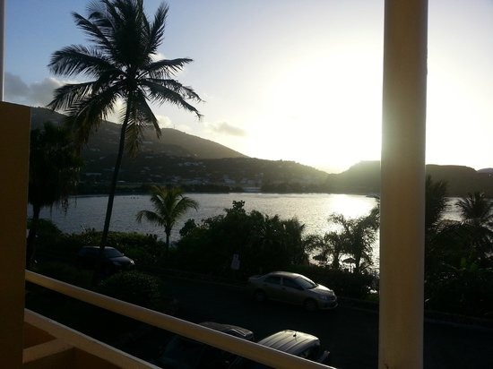 Lindbergh Bay Hotel and Villas: Looking out of our room